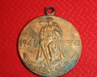 Vintage Russian Medal 20 Years Anniversary of Victory over Germany 1945-1965 WWII - USSR