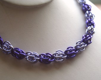 Necklace Sweet Pea Chainmaille 18 inches Your Choice of up to 3 Colors
