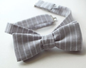 Men's bow tie -  2 inch x 4.5 inch bow, handmade in a light gray pinstripe linen fabric, self tie - freestyle for men.