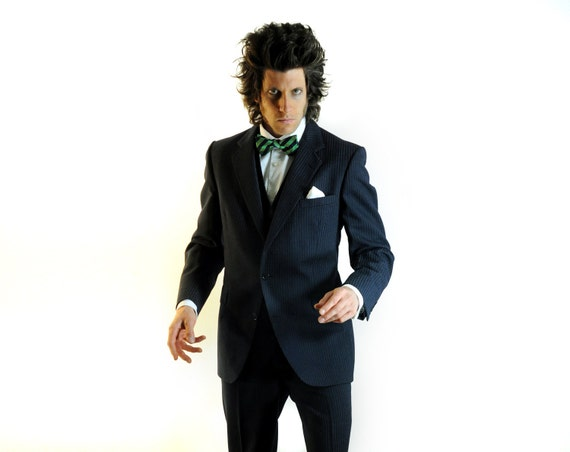 vintage mens three piece suit navy blue pinstripe chalkstripe 100% wool Oscar Jacobson Harrods Sweden 40R 42R
