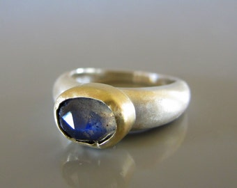 Rose cut labradorite ring, Labradorite in 14k solid gold on a silver ring, Labradorite jewelry, Blue gemstone ring