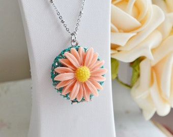Peach Pink Daisy Locket, Locket Necklace, Flower Girl, Daisy Necklace, Blush Daisy Jewelry, Sunflower Necklace, Christmas, Friend Necklace