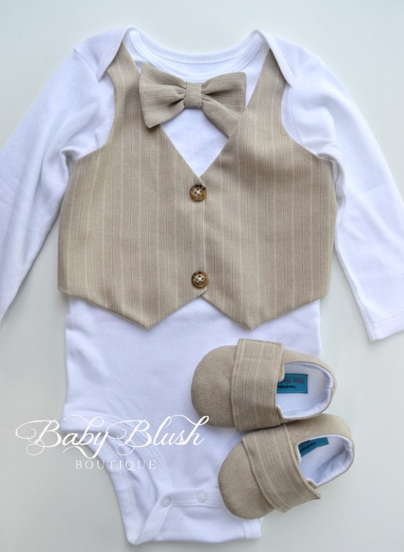 Wrap your little one in custom Bow Tie baby clothes. Cozy comfort at Zazzle! Baby Clothing Baby Boy Baby Girl blue polka dot bow tie for kids and babies baby bodysuit. $ 15% Off with code SHOPPINGZAZZ. Giraffe with bow tie shirt. $ 15% Off with code SHOPPINGZAZZ. Rusty orange polkadot graphic bow tie baby bodysuit.
