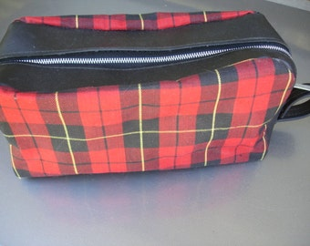 Awesome Vintage Sheving/Cosmetic Bag- We have lots of vintage bags for you.