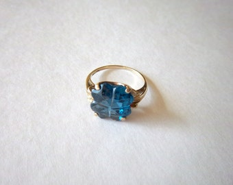 Vintage 10k Yellow Gold Blue Glass Stone Ring Faceted
