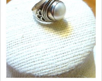 Indonesian Mabe Pearl Silver Ring