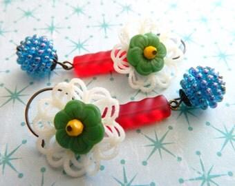 Retro Earrings, Berry Earrings, Red Blue Green, Flower Earrings, Floral Lace Earrings, Summer Earrings, Retro Jewelry, Bohemian Earrings
