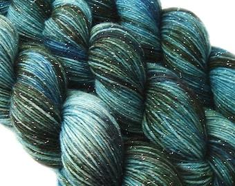 DESTINATIONS glitter sock yarn St PETERSBURG 70/25/5 sw merino/nylon stellina 3.5oz/435 yards