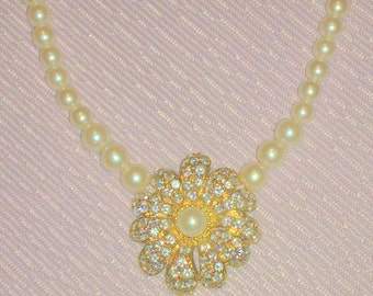 Vintage Rhinestone Flower and Faux Pearl Necklace