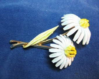 Vtg. Enamel Double Daisy Flower Brooch Signed Art