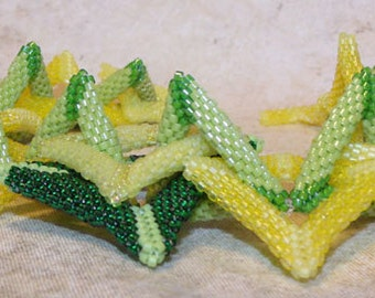 Trangles and squares bracelet  bead weaving in yellow and green