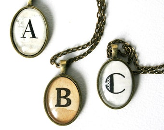 Custom initial necklace. Wholesale jewelry. Vintage bridal party gifts. Casual wedding jewelry. Letter necklace. Vintage wedding favors.