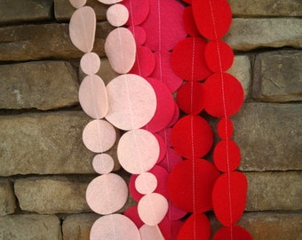 Ombre Red and Pink Felt Garland with Bakers Twine