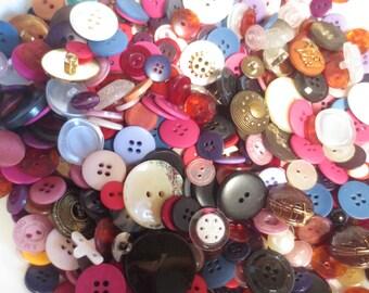 Huge Buttons Lot 800 Assortment