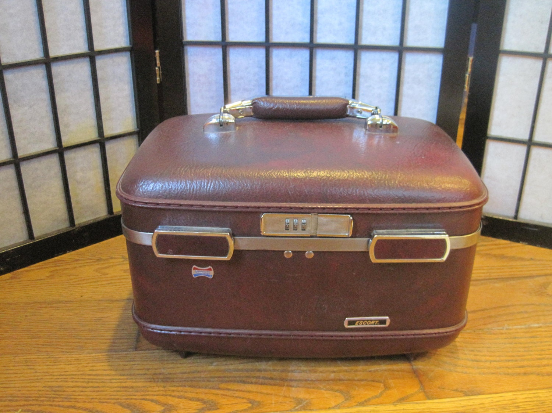 vintage american tourister small maroon vanity