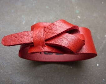 leather cuff in red, bracelet,women's cuff, loop cuff, muse