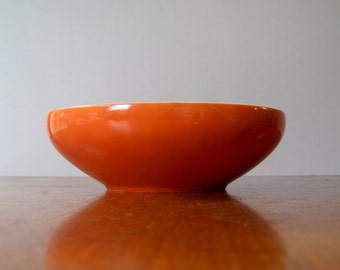 Mid Century Freeman Lederman Serving Bowl in Burnt Orange - Tackett / Fujita