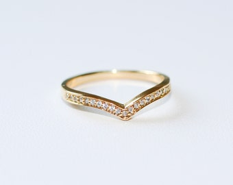 0.10ct CHEVRON DIAMOND RING in 14k Yellow Gold