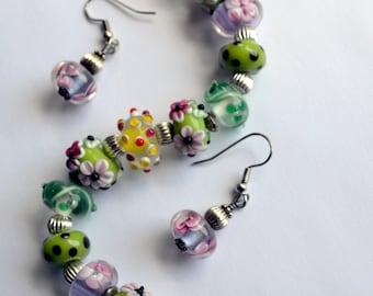 Sale - Lampwork bracelet and earrings - Green Lampwork - Pink Lampwork - Bracelet and earrings