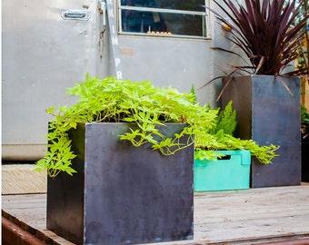 Oakmont Cube Planter