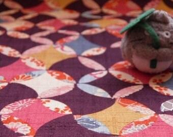 Tissu japonais motifs géométrique asanoha  fond violet foncé- 50 cm
