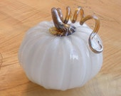 Glass Pumpkin by Jonathan Winfisky - Ivory Starfish - GrowGallery