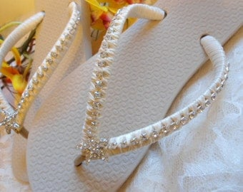 Ivory bridal flip flops, beach wedding flip flops, bridal shoes, wedding shoes, starfish sandals, wedding sandals, starfish flip flops,
