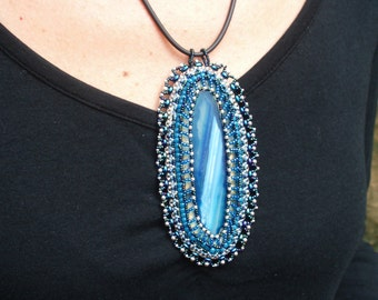 Lacey blue agate slice beaded pendant