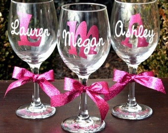 8 Personalized Glitter Monogrammed Wine Glasses - Perfect Bride and Bridesmaids Gift