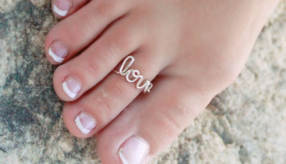 Love toe ring