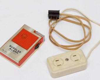Two Miscellaneous Vintage Electronics