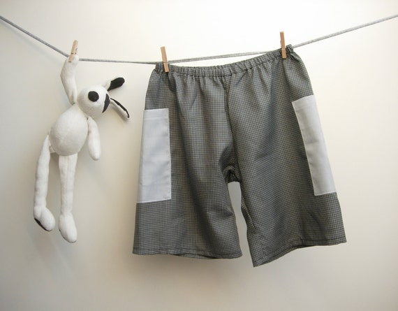 SALE Boys cotton shorts, checked black and white 100% italian cotton with two side sky-blue pockets, 4 years size. Ready to ship
