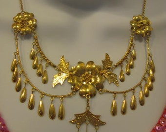 Antique Victorian Handmade Floral Yellow Gold Necklace Bracelet & Earring Set