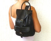 Medium size leather backpack / Women-Men black leather backpack