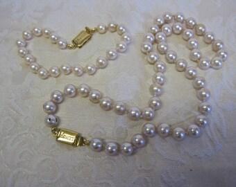 Monet Pearl Necklace and Bracelet Set Demi Parure Vintage WEDDING Signed Single Strand Classic Elegant Bride Champagne Ivory Cream