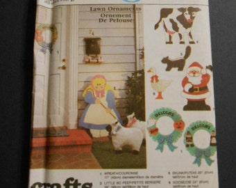 Simplicity  9771, Lawn ornaments