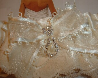 SALE!, Ivory Wedding Garters, Bridal Garter Set, Bridal and Toss Garters, Something Blue, Keepsake Set, Lace Garters