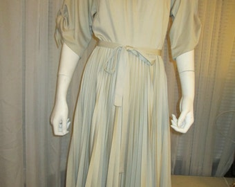 No Label 1970's Tan PLEATED Skirt DRESS