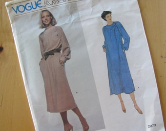Vintage Vogue Sewing Pattern 2073 - Jerry Silverman - Misses Dress - Size 8