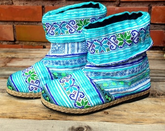 Womens Boots Ankle High Cuffed Blue Funky Mixed Ethnic Hmong Embroidery size US 5,5 - Alya