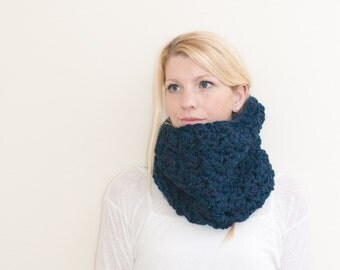 The Chunky Cowl Neckwarmer  Scarf - navy - Wool Blend