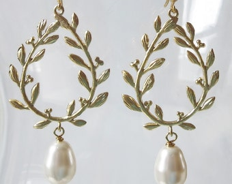 Gold Plated Laurel Wreath Earrings with White Crystal Pearls