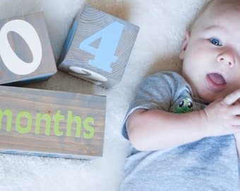 Large Wooden Age Blocks. Baby photo prop. Milestone blocks. Baby shower gift. Babyblocks. Newborn gift. Baby milestone pregnancy blocks.