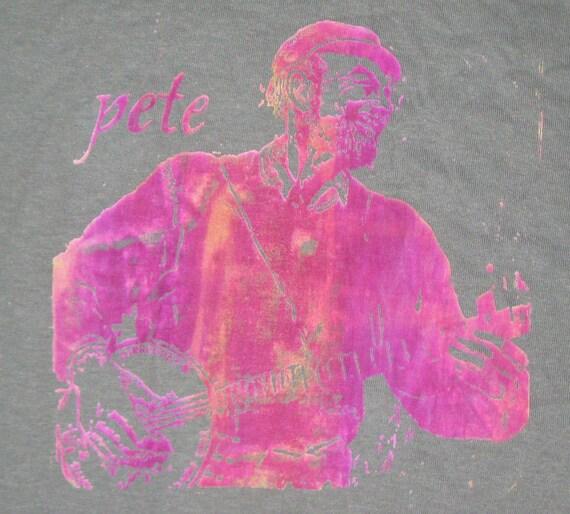 Pete seeger adult medium t shirt for Adult medium t shirt
