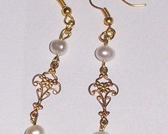 ANTIQUE LOOKING PEARL  earrings
