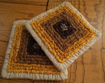 5.5 x 5.5 Inch Hand Hooked Pot Holder / Trivet Set Of Two, Country Table Decor, Hot Mats Sunflowers