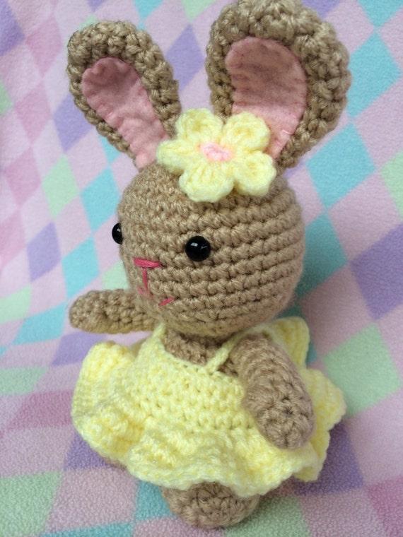 Amigurumi Bunny In Dress : crocheted amigurumi bunny in yellow dress