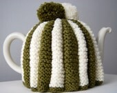 1940'S Traditional Green and Cream Tea Cozy