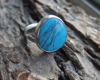 Blue Turquoise Ring - 925 Sterling Silver - Bezel Set Cabochon - December Birthstone - Size 7 1/4