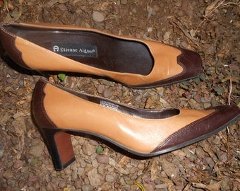 Vintage Etienne Aigner  Two Toned Leather Shoes Size 7